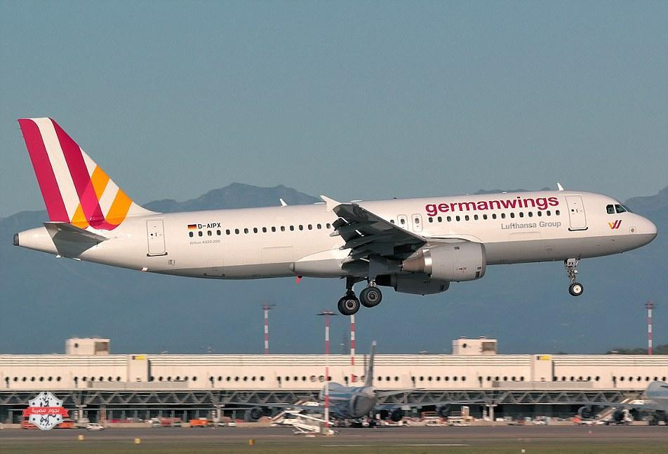 26F1BDEE00000578-3009151-This_Germanwings_Airbus_A320_carrying_144_passengers_and_six_cre-a-1_1427232185323