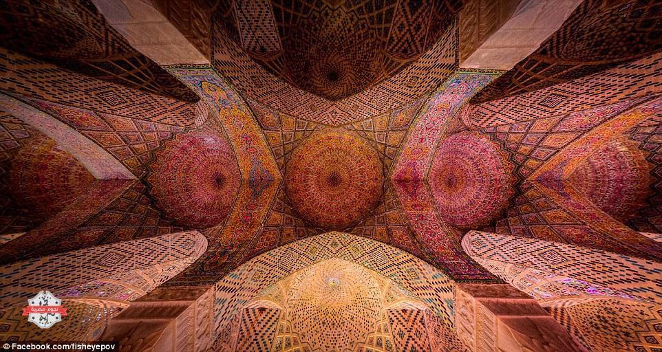 1415957541587_wps_30_The_Pink_Mosque_or_Nasir_