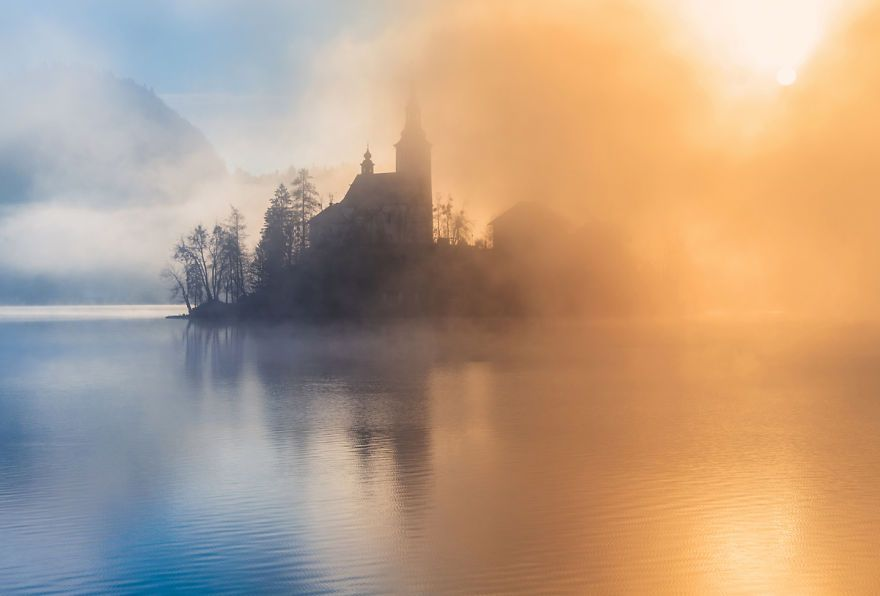 another-magical-sunrise-at-lake-bled-in-slovenia-14__880