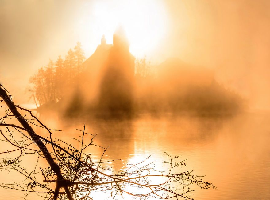 another-magical-sunrise-at-lake-bled-in-slovenia-16__880