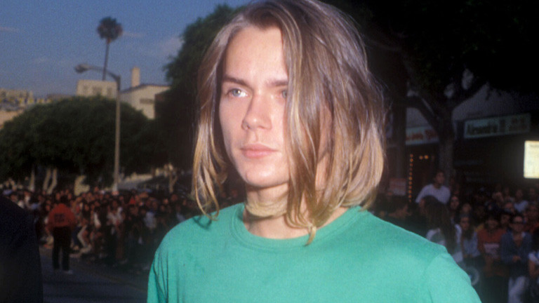 1000509261001_2046212883001_final24-riverphoenix-2