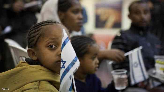 Some 174 Ethiopian Falashmura descendants of Jews arrive at the Ben Gurion airport، outside Tel Aviv، on January 17، 2011 in the latest operation organised by the Jewish Agency to bring new immigrants into Israel within a project to tramsfer 8,000 Ethiopians to the Jewish state in the coming four years. AFP PHOTO/MENAHEM KAHANA (Photo credit should read MENAHEM KAHANA/AFP/Getty Images)