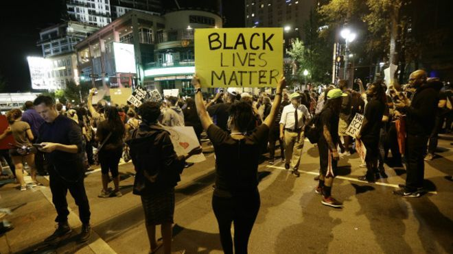 160923020942_charlotte_protesters_take_to_the_streets_of_uptown_during_peaceful_march_640x360_ap_nocredit